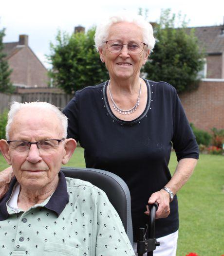 In de schommels op de kermis sloeg de vonk over bij Piet en Dina uit Wintelre