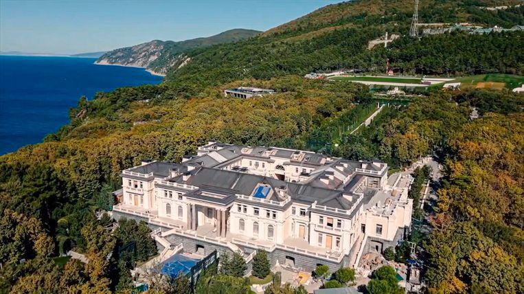 Het 'koninkrijk' van Poetin aan de Zwarte Zee heeft een waarde van ruim 1,3 miljard dollar. Beeld AP