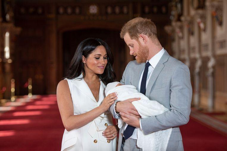 Een van de meest dramatische beweringen in het interview van prins Harry en Meghan met Oprah Winfrey was dat hun zoon een koninklijke titel werd ontzegd, mogelijk vanwege de kleur van zijn huid. Beeld AP