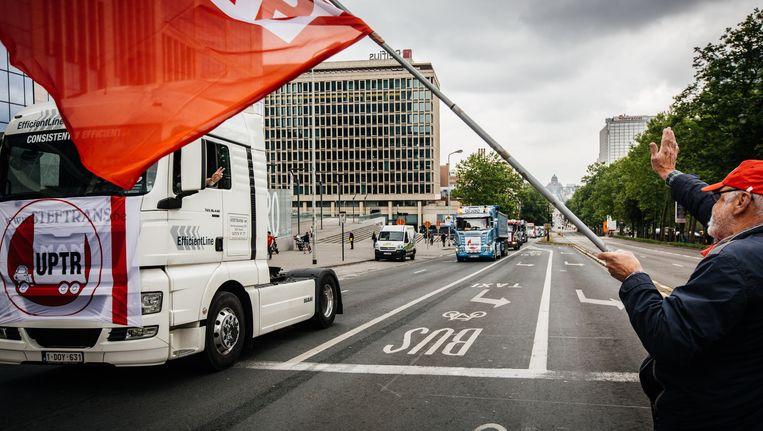 2015: Boze vrachtwagenchauffeurs betogen tegen kilometerheffingen. Beeld © WOUTER VAN VOOREN
