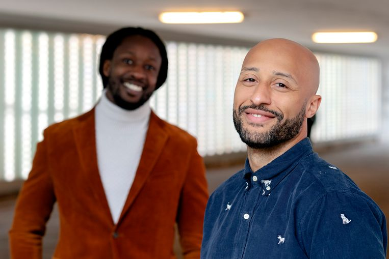 Portret van initiatiefnemers Akwasi en Gianni Grot van de nieuwe Omroep Zwart.  Beeld ANP