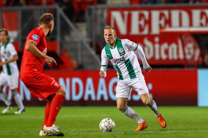 Romano Postema (rechts) in actie voor FC Groningen in de met 3-1 verloren uitwedstrijd tegen FC Twente van anderhalve week geleden.