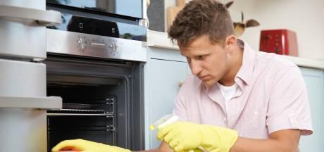 Nooit meer zwoegen om vet en spetters te verwijderen: dít doet de zelfreinigende oven