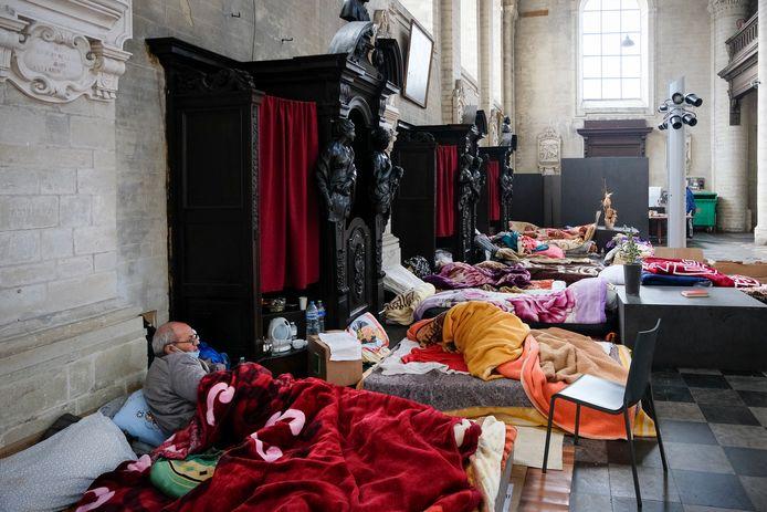 Sans-papiers bezetten de Begijnhofkerk.