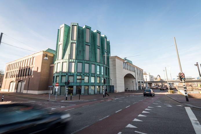 Het Boscotondo-complex in Helmond, met daarin onder meer de raadszaal en de stadswinkel.