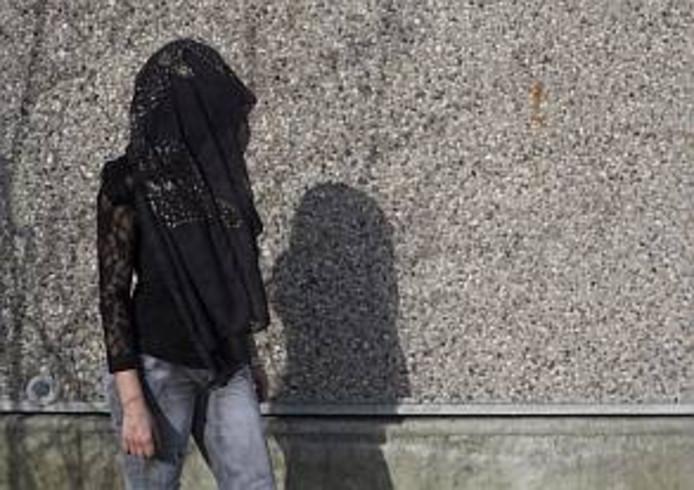 Een slachtoffer dat vanwege eerwraak in een Friese opvang zit
