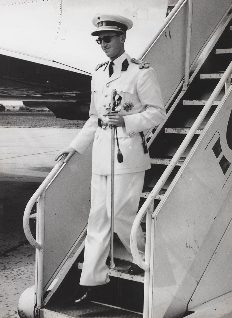 Koning Boudewijn bij aankomst in Congo in 1960.  Beeld RV Collectie KMMA Tervuren