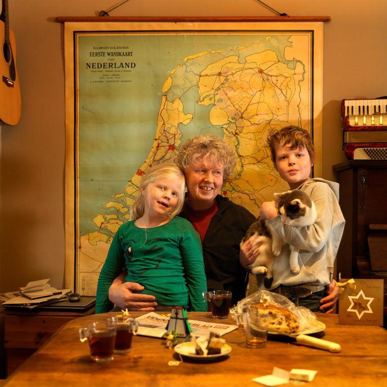 André (49) en zijn kinderen Beeld Marieke van der Velden