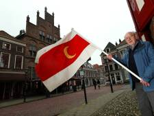 Doesburgse vlag keert terug in straatbeeld, of is het toch een Turkse? 'Het is maar net wat je wil zien'
