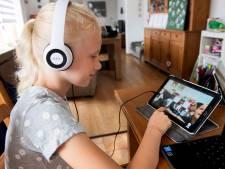 Zieke Emma (9) volgt gewoon school dankzij 'Robot Emma'
