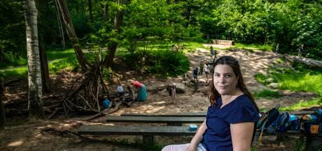 Klimmen, klauteren en waterpret: Deventer reisblogster Tikva schrijft boek over mooiste natuurspeelplekken van Nederland