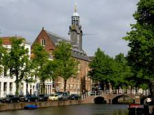 Ophef over verbieden van kano's waarmee plastic afval wordt verzameld in Leiden: 'We doen toch iets goeds voor de stad?'
