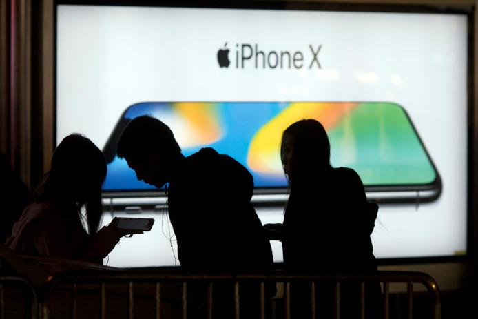 Een advertentie voor Apple's nieuwe iPhone X die sinds 3 november officieel te koop is.