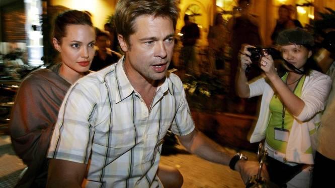 """Brad Pitt en Angelina Jolie zetten paparazzifoto's in scène"""