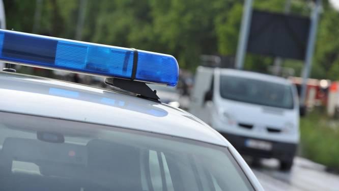 """Dronken chauffeur (23) knalt op stilstaande vrachtwagen: """"Zijn ogen vielen toe en hij sleepte met zijn voeten"""""""
