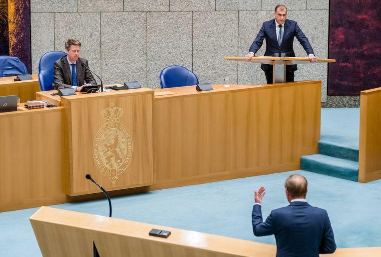 Martin Bosma (vervangend kamervoorzitter) en Gidi Markuszower (PVV) en Kees van der Staaij (SGP) tijdens het Kamerdebat over het terughalen van IS vrouwen en hun kinderen. ANP BART MAAT Beeld ANP