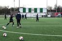 De spelers van FC Dordrecht tijdens de training.