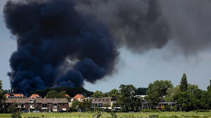 Enorme brand in Berkel en Rodenrijs