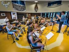 Protest muziekliefhebbers Haaksbergen gehoord: bezuinigingen voorlopig van de baan