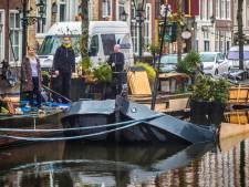 Binnen no-time duizenden euro's om geliefde terrasboot Pakschuit te redden: 'We laten je niet verzuipen'