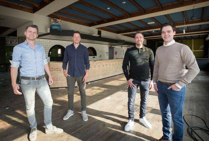Vlnr Kris Maas, Frenk Zagers, Pieter van Agtmaal en Philip Nelemans. Dat het een puur Zundertse onderneming is, is voor hen de kers op de taart.