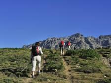 """Les 10 objets à emporter en randonnée: """"Il n'y a pas de mauvaise météo, juste des mauvais vêtements"""""""