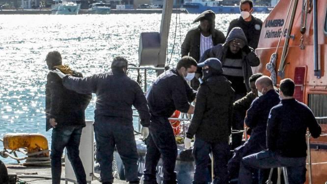 Vier kinderen gestorven bij schipbreuk voor Griekse eiland Chios, 22 migranten gered