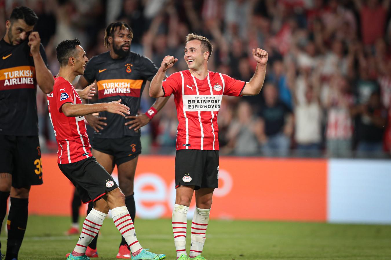 Ongeloof bij Mario Götze na zijn tweede doelpunt.