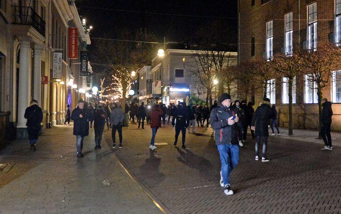 Horecaondernemers hadden zondagavond nauw contact met elkaar bij de rellen in de binnenstad van Enschede.