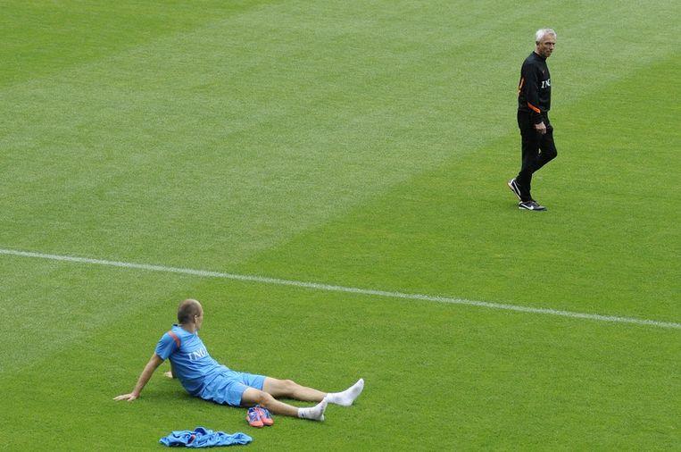Robben en Van Marwijk tijdens een training op 10 juni. Beeld null