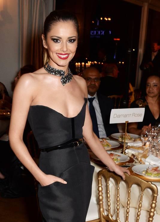 De Britse zangeres Cheryl Cole verwerkte het bedrog van haar echtgenoot met hypnotherapie.