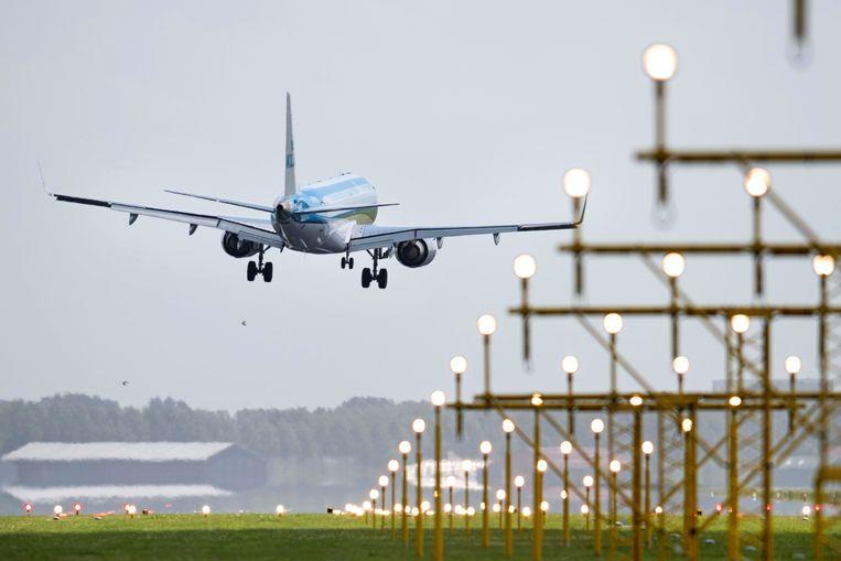 Een vliegtuig landt op Schiphol. Foto ter illustratie. Beeld Hollandse Hoogte /  ANP