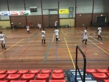Zaalvoetballers WSV staan hun mannetje in cruciaal duel