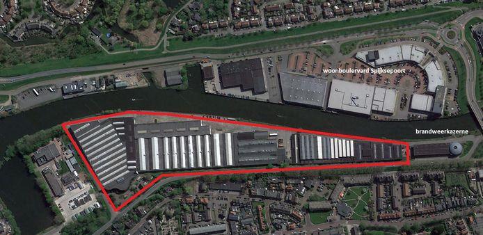 Er staan opslagloodsen in het beoogde woningbouwgebied tussen de Arkelsedijk en de Linge.