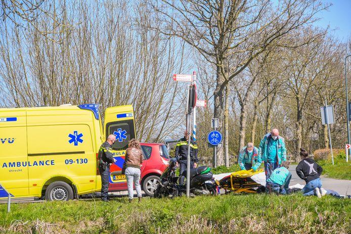 Het slachtoffer raakte gewond en is met een ambulance overgebracht naar het ziekenhuis.