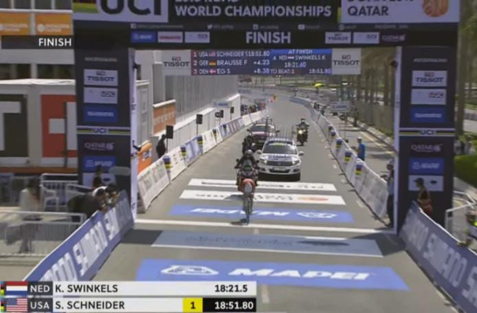 Karlijn Swinkels komt met de snelste tijd over de streep in Doha.