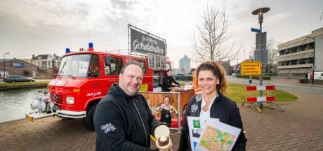 Ballen Harry uit Apeldoorn lanceert fotopuzzelroute met broodje bal