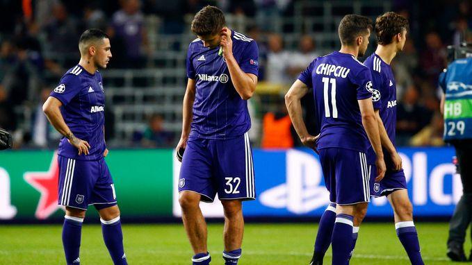 """""""Lang geleden dat we zo'n zwakke Belgische kampioen zagen"""" en """"Nog slechter dan aangekondigd"""": dit schreven buitenlandse kranten over prestatie Anderlecht"""