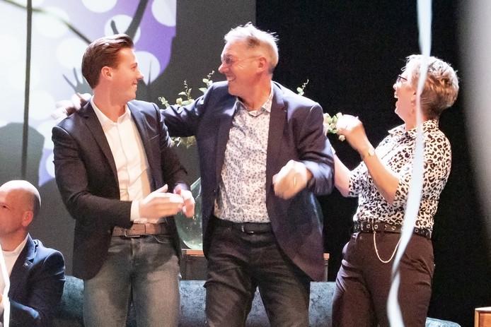 Ian, Jan en Betsy Olthof van autobedrijf Bie Olthof uit Hulsen reageren uitgelaten op het winnen van de titel 'Ondernemer van 2019'.