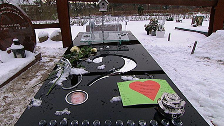 Het graf van Sven. Beeld EO De vijfde dag