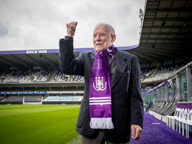 """Anderlecht rouwt om oudste abonnee Remi (98): """"Zelfs als we verloren, konden we met de glimlach naar huis. Dat was de laatste jaren wel anders"""""""