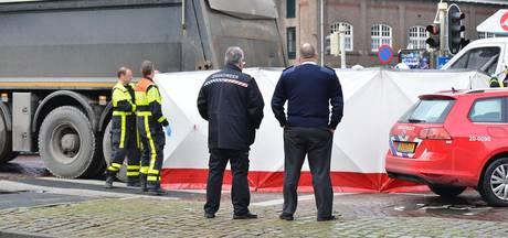 Fietser overleden bij aanrijding met vrachtwagen in centrum van Breda