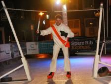 Nieuwe traditie op ijsbaan in Middelburg: ringrijden op het ijs