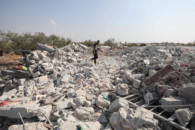 Het pand waar Baghdadi zich schuilhield, in het dorpje Barisha, werd met een luchtbombardement met de grond gelijk gemaakt om te voorkomen dat het een bedevaartsoord voor jihadisten zou worden. Beeld AFP