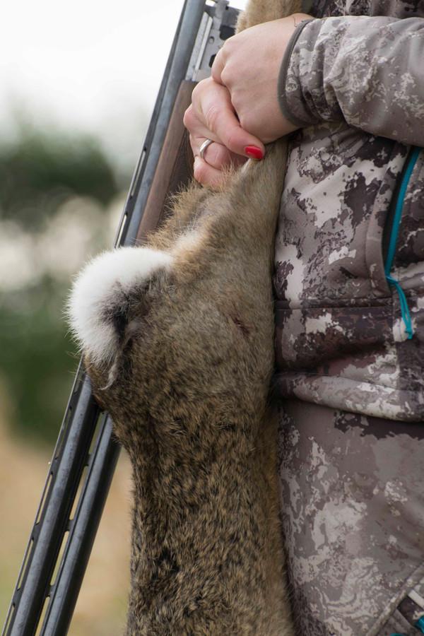 Steeds meer vrouwen melden zich aan voor de jachtcursus. Sinds 2004 is er een verdrievoudiging. FOTO DENISE ABBAS