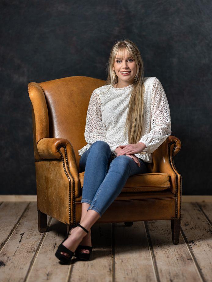 Lotte van Mispelaar is Miss Teen of Utrecht: ,,De jury gaf aan dat ik gewonnen heb door mijn uitstraling. Dat heeft gewoon íéts, zeiden ze, en dat kan me ver brengen in de landelijke finale.''