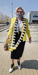 Maria Mesa (73) uit Breda is net gevaccineerd en kan niet wachten om met haar zus te gaan winkelen