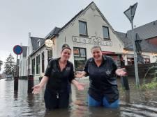 Nieuwsoverzicht   Nederland weer meer van het slot - Een meter water in de kelders van cafés op Stratumseind