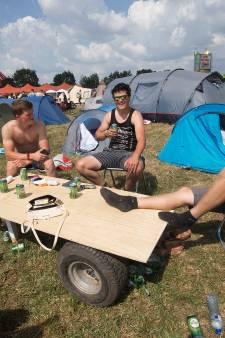 Geen Zwarte Cross, maar honderden fans bouwen zelf een alternatief feest in de tuin