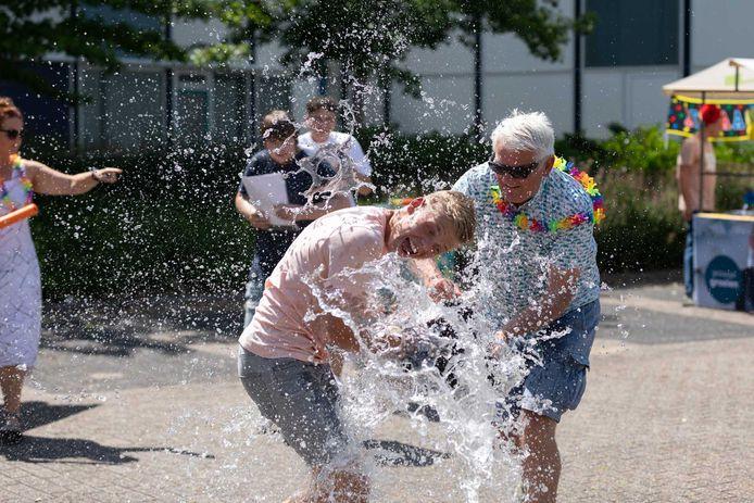 Watergevecht bij CSG De Lage Waard in Papendrecht.
